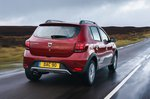 Dacia Sandero Stepway 2019 rear tracking
