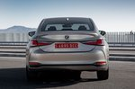 Lexus ES 2019 rear static shot