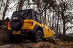Jeep Wrangler 2019 off-road tracking shot