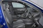 Peugeot 3008 2019 front seats