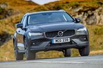 Volvo V60 CC 2019 front right tracking