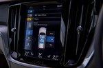 Volvo V60 CC 2019 infotainment