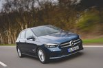 Mercedes B-Class 2019 front tracking shot