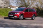 Dacia Logan MCV Estate 2019 tracking shot