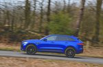Jaguar F-Pace 2018 left panning shot