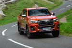 Toyota Hilux 2019 front cornering shot