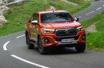 Toyota Hilux 2019 front cornering shot