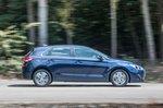 Hyundai i30 2019 right panning shot
