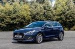 Hyundai i30 2019 front 3/4 tracking