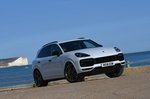 Porsche Cayenne 2018 front right static outdoor