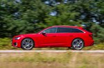 Audi S6 Avant side