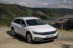 Volkswagen Passat Alltrack 2019 front static