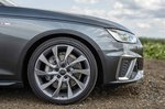 2019 Audi A4 Avant alloy wheel detail