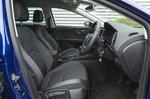 Seat Leon Estate 2019 RHD front seats