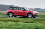 Mini Clubman 2019 RHD right side panning