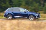 Audi SQ7 2019 right panning