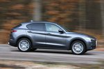 Alfa Romeo Stelvio 67 right panning
