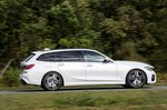 BMW 3 Series Touring 2019 RHD right panning