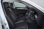 Volkswagen Passat Estate GTE 2019 front seats