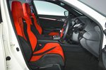 Honda Civic Type R 2019 RHD front seats