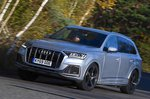 Audi Q7 front three quarters