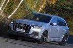 Audi Q7 front three quarters