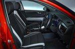 Kia Stonic 2019 RHD front seats