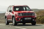Jeep Renegade 2018 front right close tracking