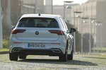 Volkswagen Golf 2019 rear right tracking LHD