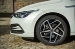Volkswagen Golf 2019 front left wheel detail LHD