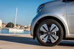 Smart ForTwo EQ 2020 front wheel detail