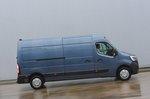 Renault Master 2020 RHD right panning