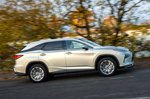 Lexus RX L 2021 right tracking