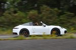 Porsche 911 Targa 2020 right panning