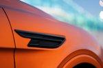 Bentley Bentayga 2020 front wing detail