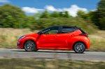 Toyota Yaris 2020 left panning