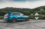 Audi SQ7 2020 rear right static