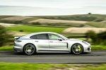 Porsche Panamera 2020 right panning