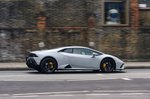 Lamborghini Huracán 2020 right panning