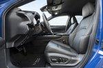 Lexus UX300e 2020 front seats