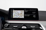 BMW 5 Series Touring 2020 infotainment