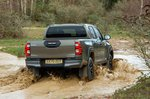 Toyota Hilux 2021 Off-road rear tracking