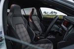 Volkswagen Golf GTI 2021 Front seats