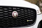 Jaguar XF 2021 grille detail