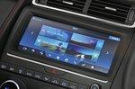 Jaguar E-Pace infotainment