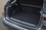 Citroën e-C4 2021 boot open