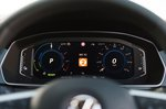 Volkswagen Passat GTE 2021 instrument panel detail