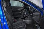 Peugeot e-2008 2021 front seats