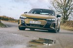 Audi E-tron GT RS 2021 front cornering