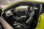 BMW M4 2021 front seats